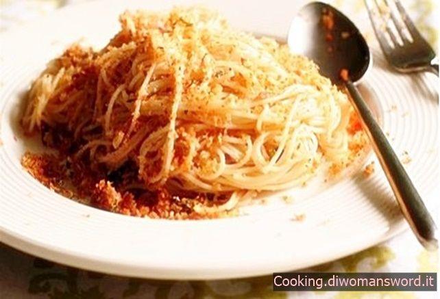 Spaghetti con Mollica tipica Siciliana