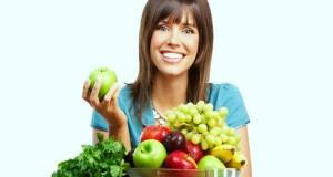 pelle-sana-con-frutta-verdura-acqua