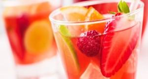 Cocktail Analcolico con Arance e Fragole